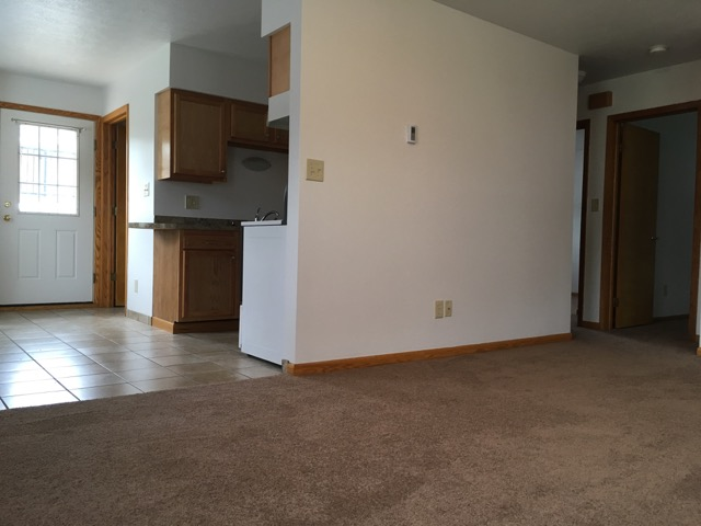 non-smoking 2 bedroom apartment Barberton, Ohio 44203