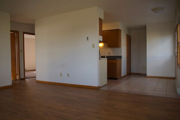east Barberton twinplex for rent with lawn care provided and laundry hookup