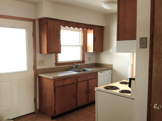 Akron U student housing option easy drive from Barberton