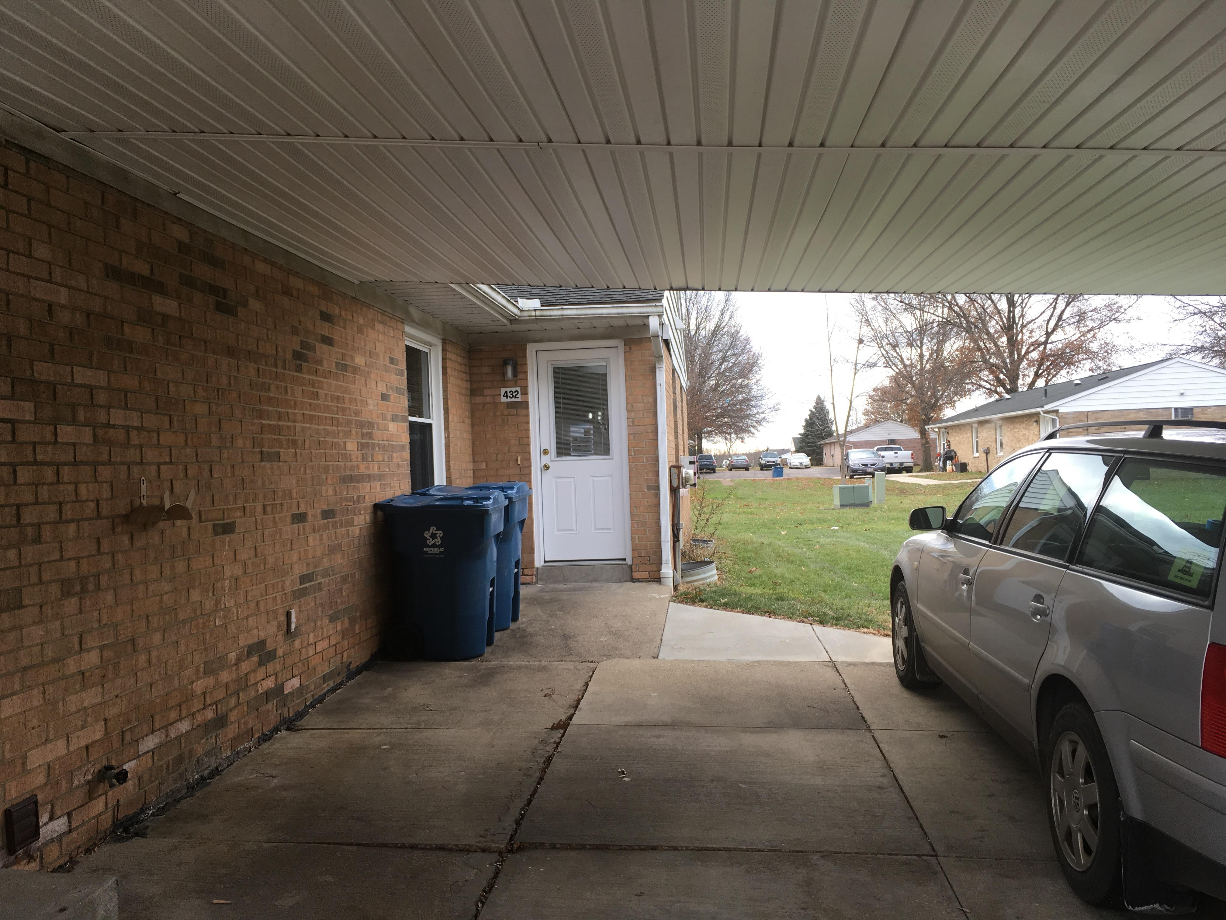 2 bedroom duplex non-smoking, basement carport